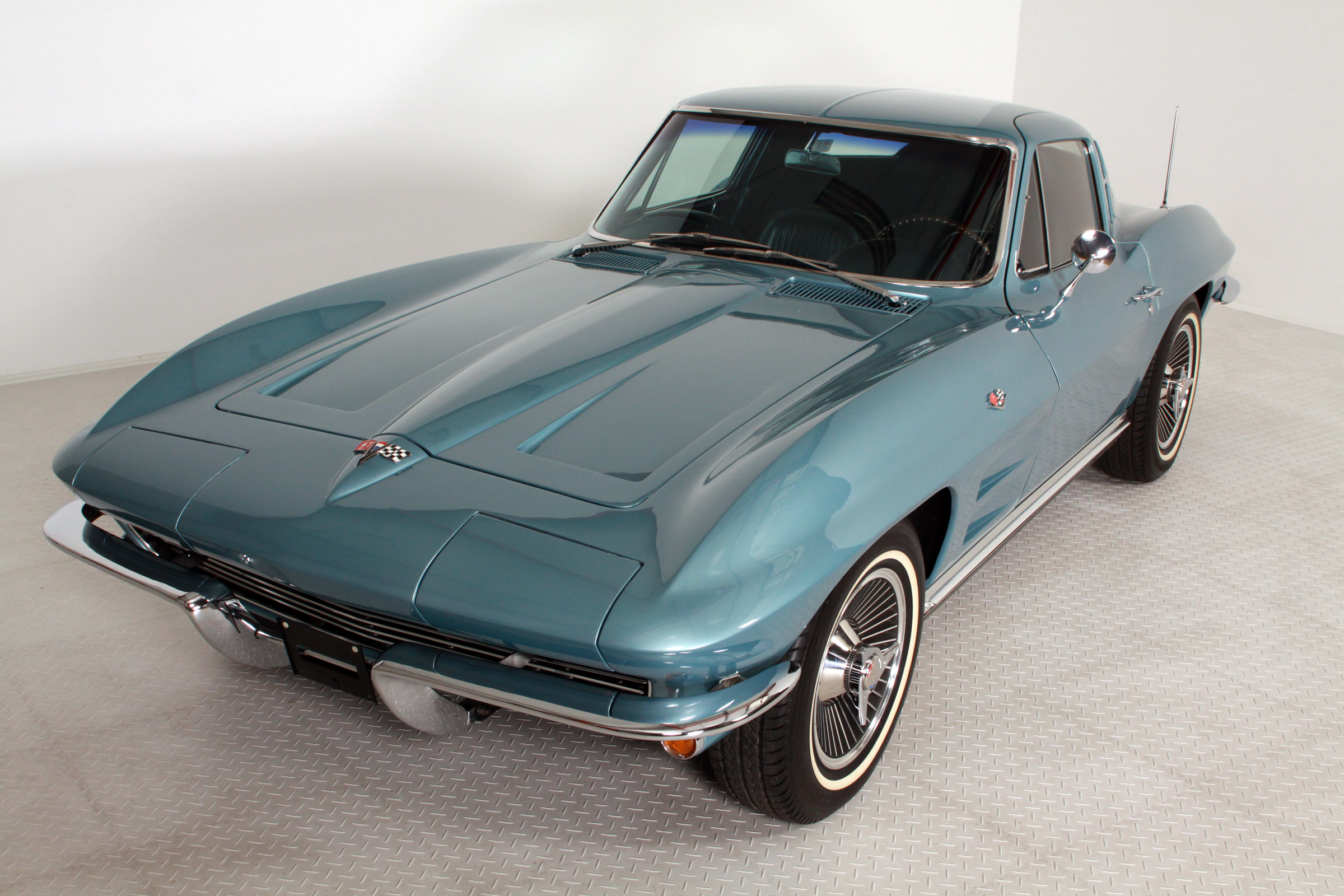 Chevrolet - Corvette C2 Sting Ray Coupe -Frame Off -Matching